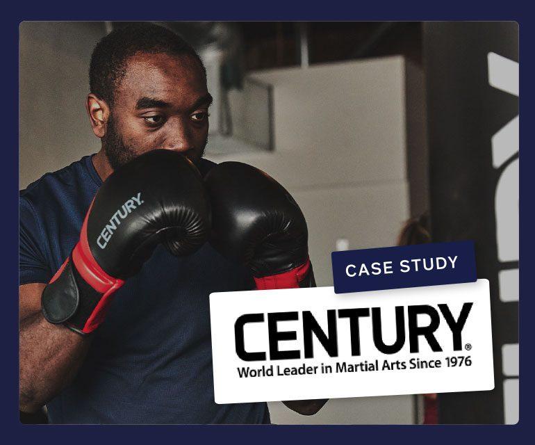 Boxende man van Century Martial Arts